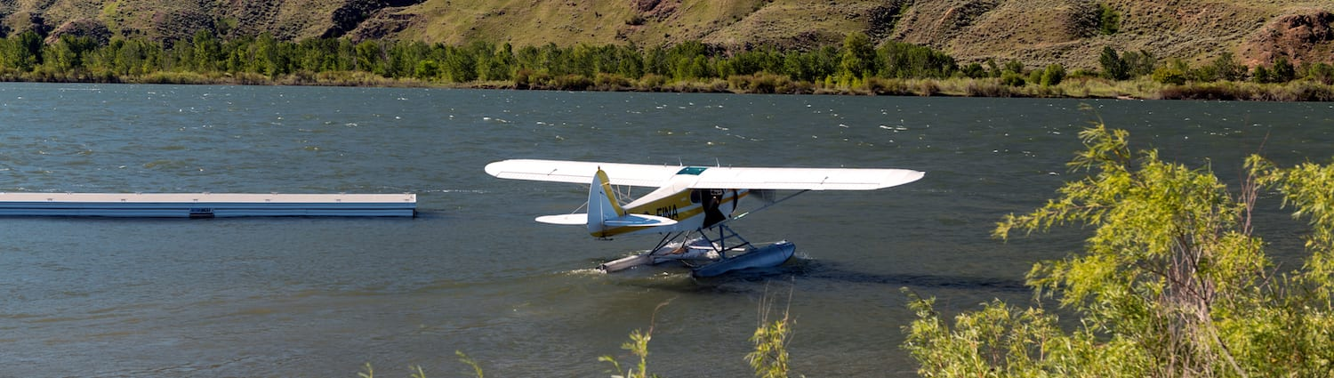 Float plane docking